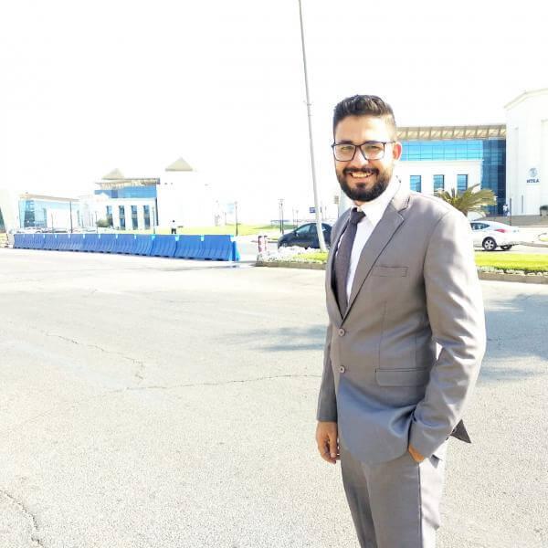 مصطفى عزازي